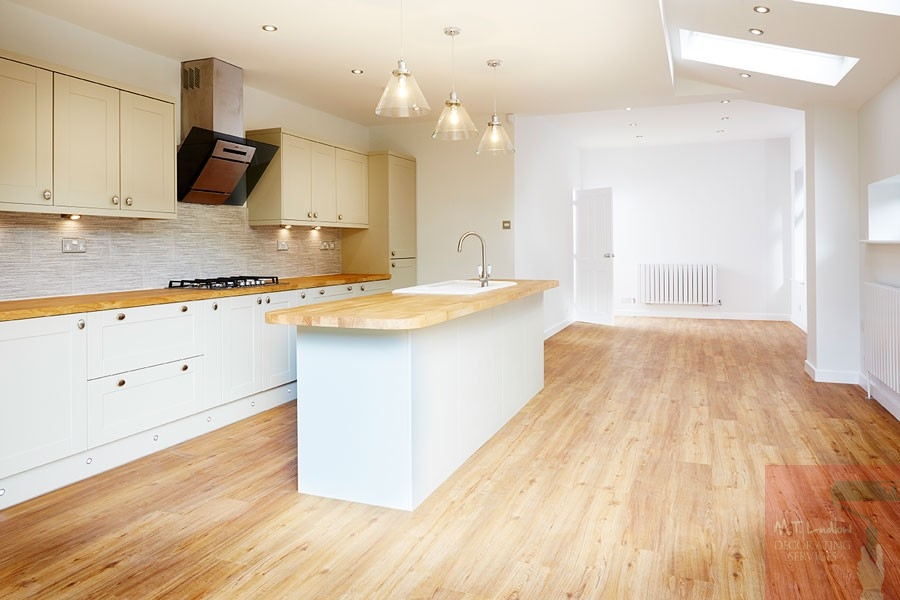kitchen decorators Wilmslow